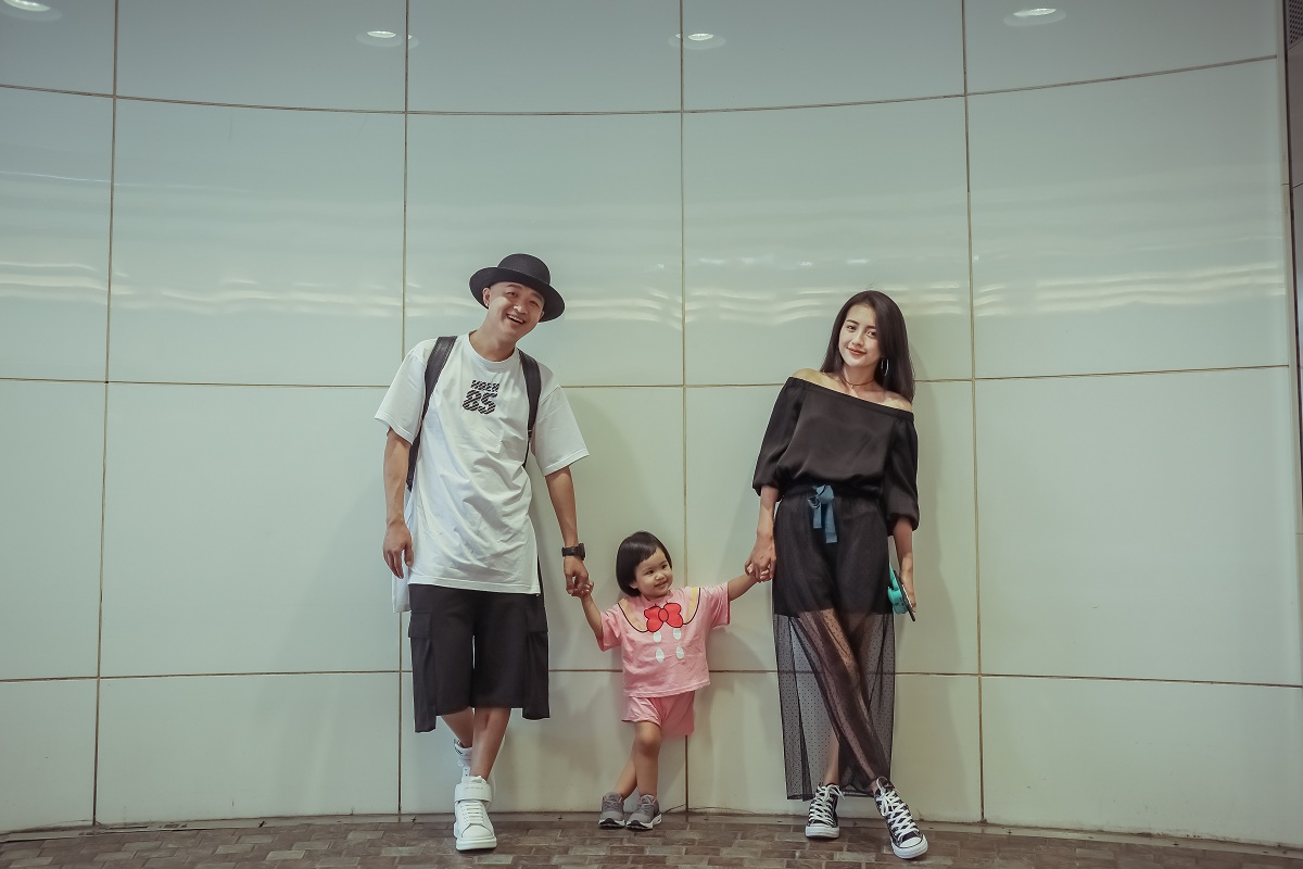 Wenjing Bao is a family of three tour Japan