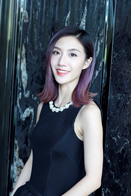Zhu Tingchen Li Yiyi attended the launching ceremony for the development of new generation actors