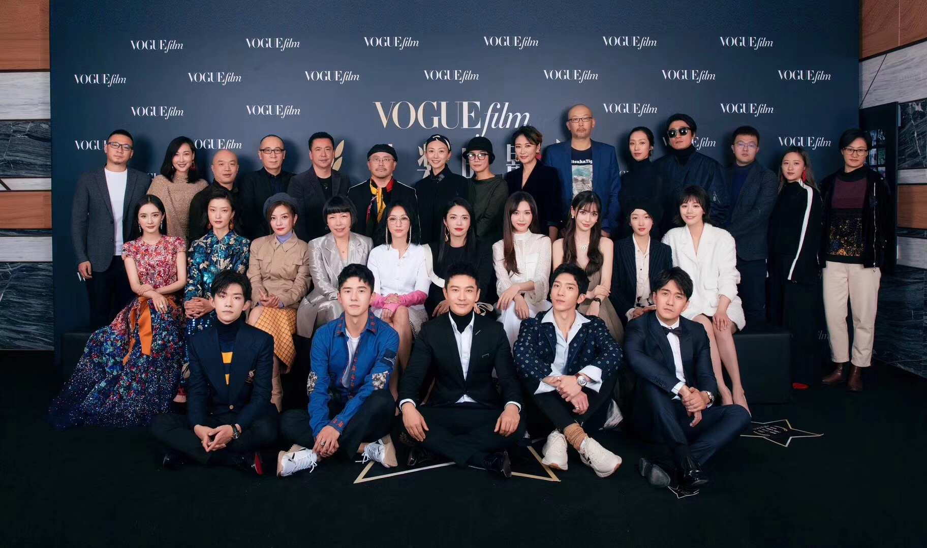 Xiaoming huang warmly appeared in fashion film festival with works as mirrors to regain his original intention and forge ahead
