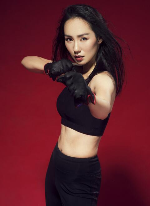Cici Zhao Releases Sports Photo, Hot Body Shows Healthy 'Woman Force